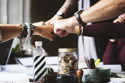Entreprise collaborative, coopération, échange, partage, objectif, commun, équipe, projet